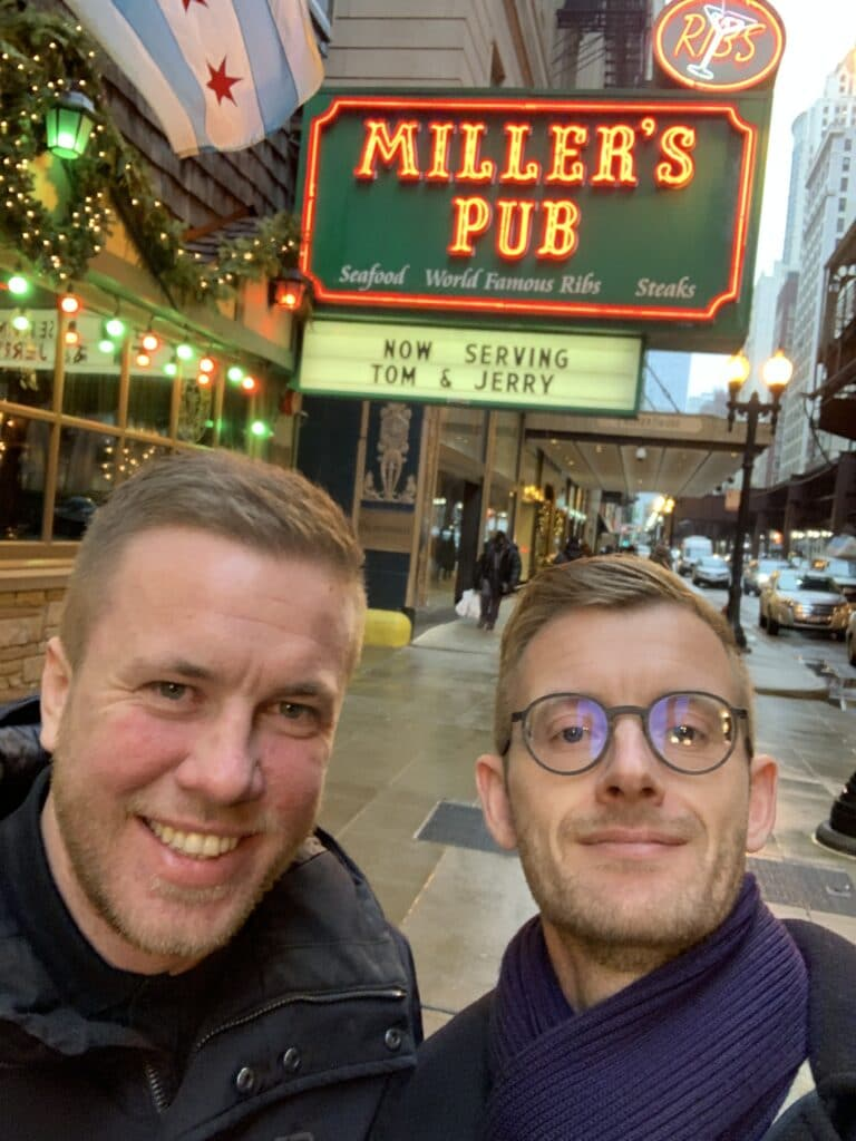 After a day at the exhibition always choose Miller's Pub in Chicago.